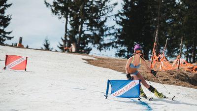 Bikini Race 2017: De la z?pad?, direct la surf în Tenerife