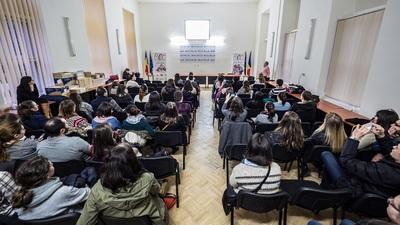 Sala este plină la astfel de întâlniri  © Razvan NEGRU