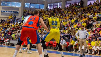 BC CSU Sibiu - CSM CSU Oradea 69-63 în finala mică  © Vlad DUMITRU