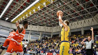 BC CSU Sibiu - CSM CSU Oradea 83-76  © Dragoș DUMITRU