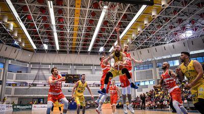 BC CSU Sibiu - CSM CSU Oradea 93-92  © Dragoș DUMITRU