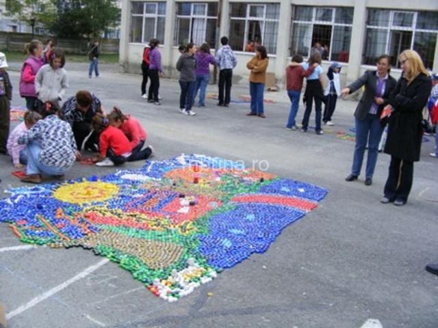 Mozaicuri din dopuri de plastic