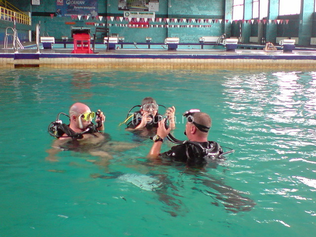 Demo de scufundări la bazinul Olimpia