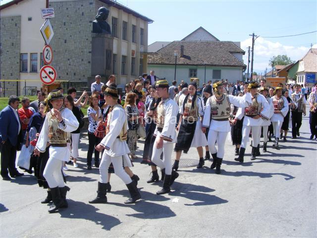 Sărbătoarea folclorului şi Olimpiada meşteşugurilor tradiţionale - în Avrig