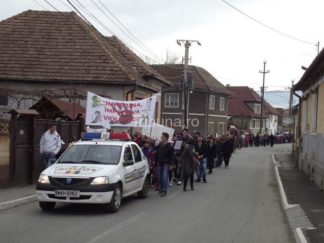 Marş împotriva violenţei, la Avrig