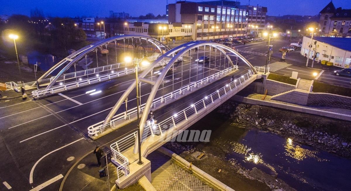 ... . Vechiul pod se intoarce in oras (FOTO - VIDEO)   Sibiu   Ziare.com