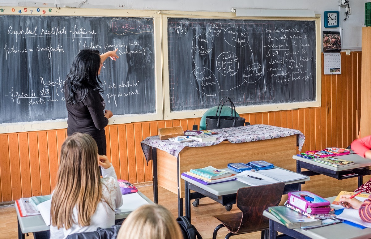 Derogare: director de şcoală şi fără concurs. Sau chiar cu concursul picat! Cum justifică ministrul Educaţiei!