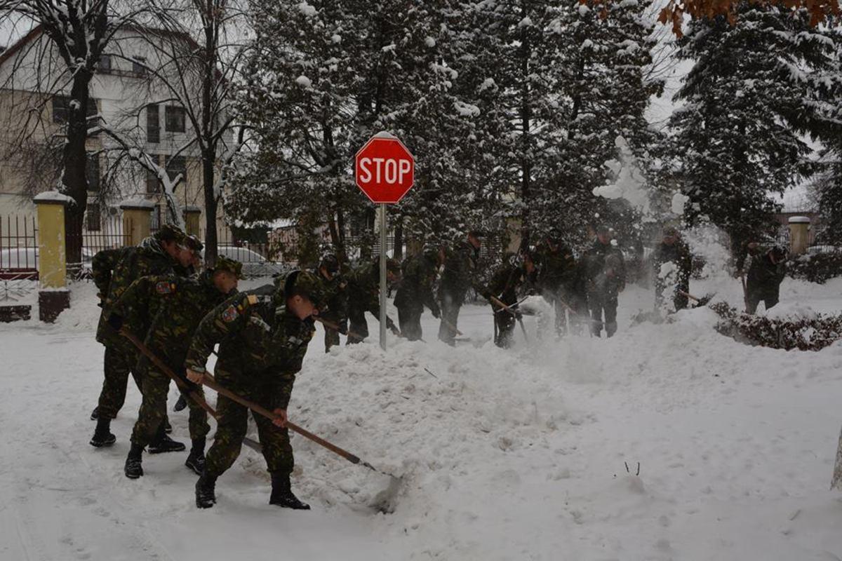 Academia Forţelor Terestre a dat curs apelului Primăriei