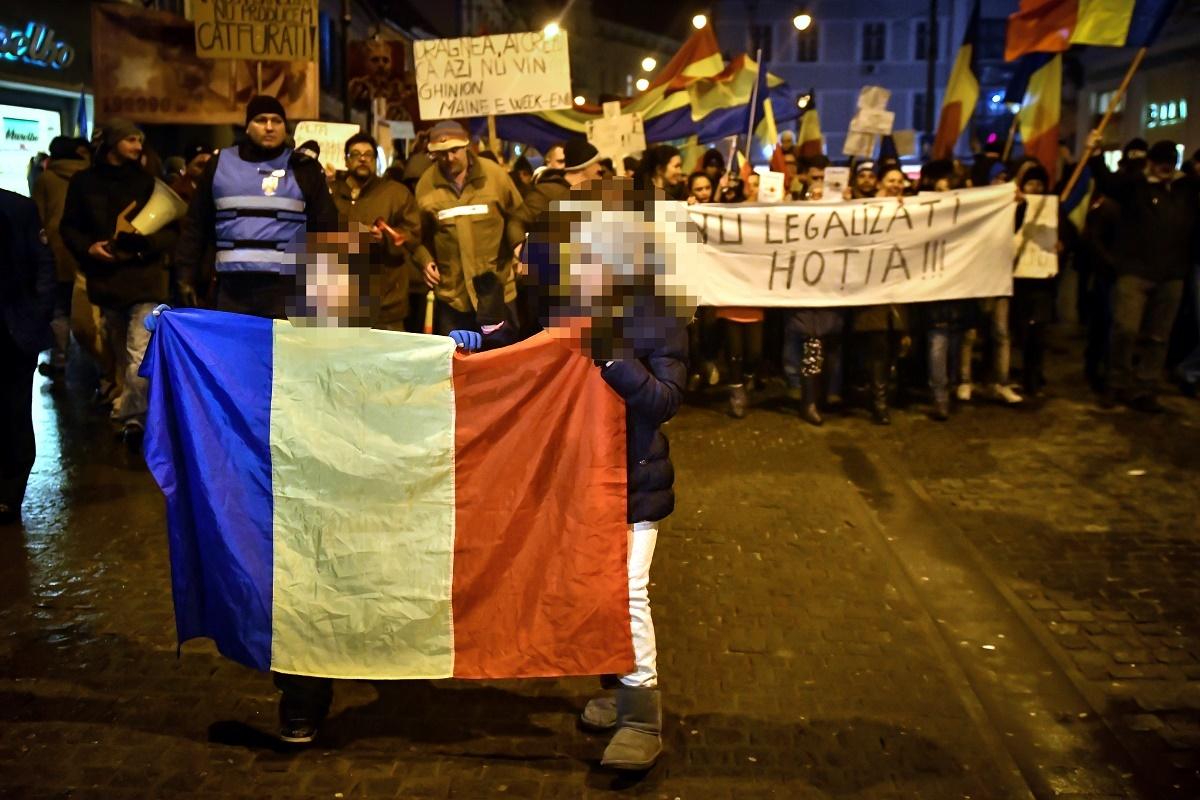 Protecţia Copilului Sibiu, de acord cu participarea minorilor la proteste