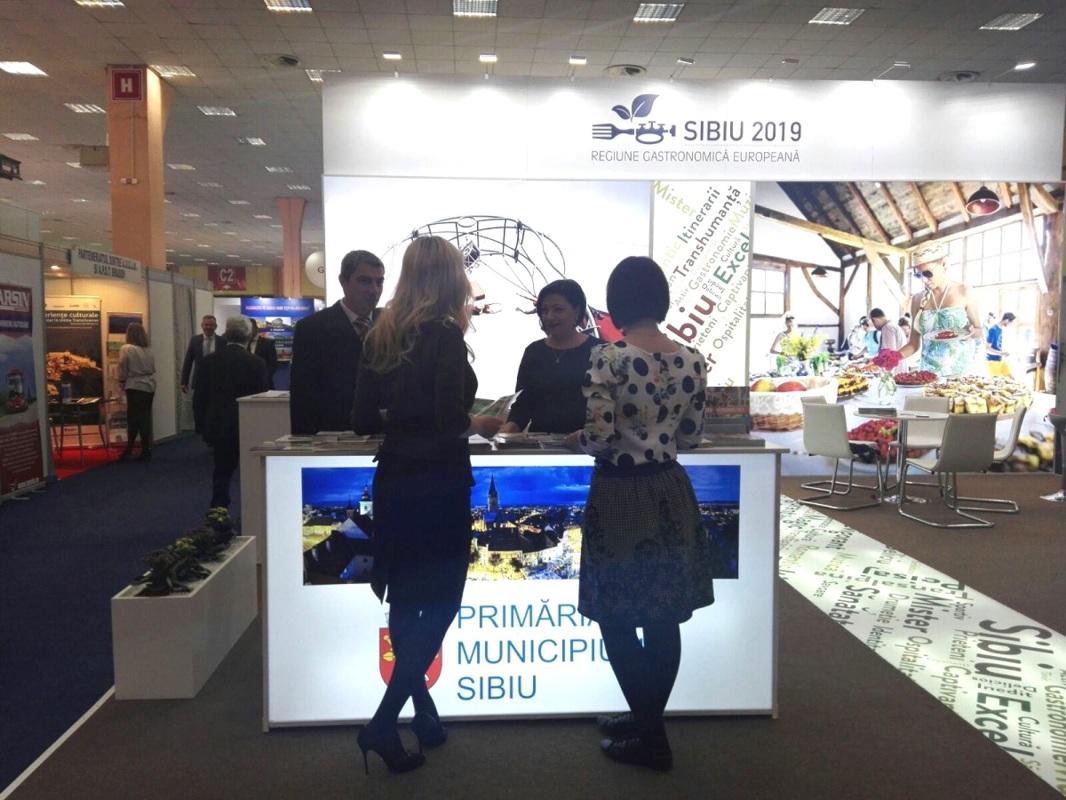 Sibiu: stand de 30 mp și 2.000 de broșuri și hărți la Târgul de Turism al României