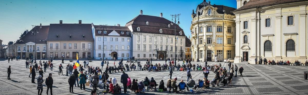 Duminica protestelor, în Piaţa Mare. Prin copii, prin cultură, prin marş