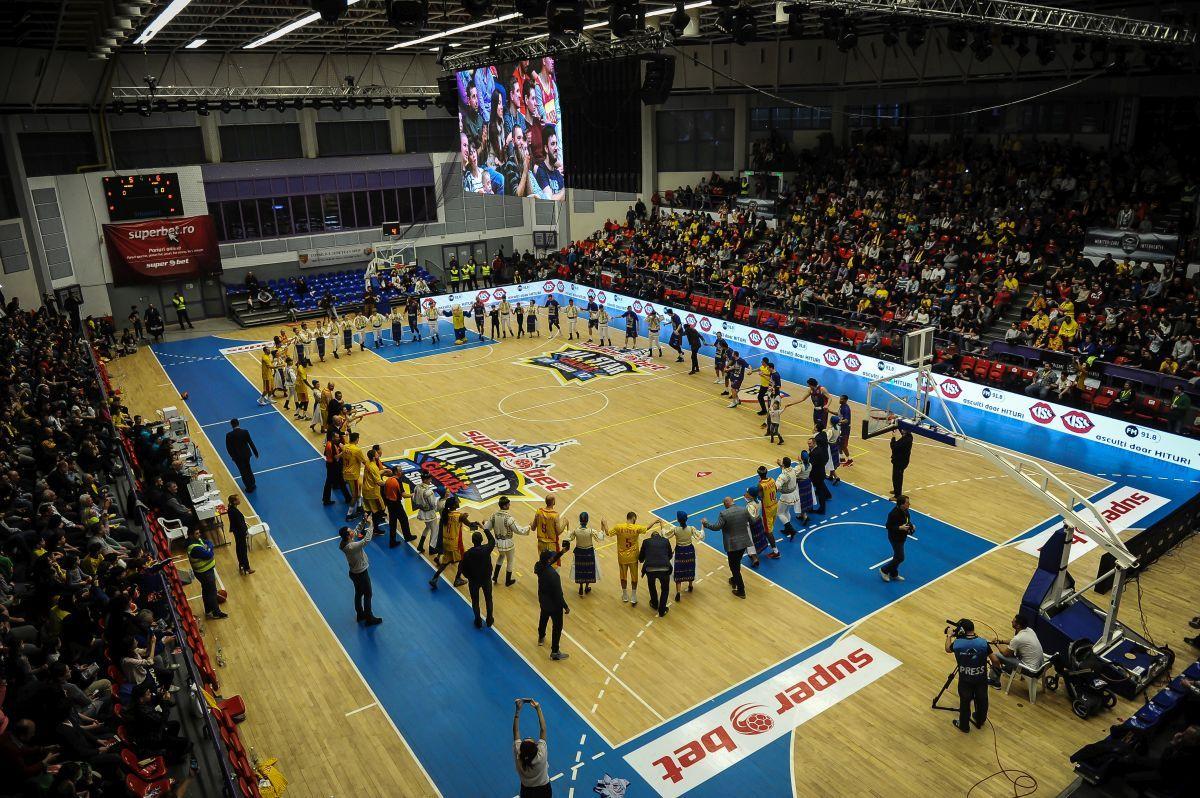 (FOTO) Superbet All Star Game-ul masculin:  Sudul bate Nordul. Junii Sibiului, printre jucători