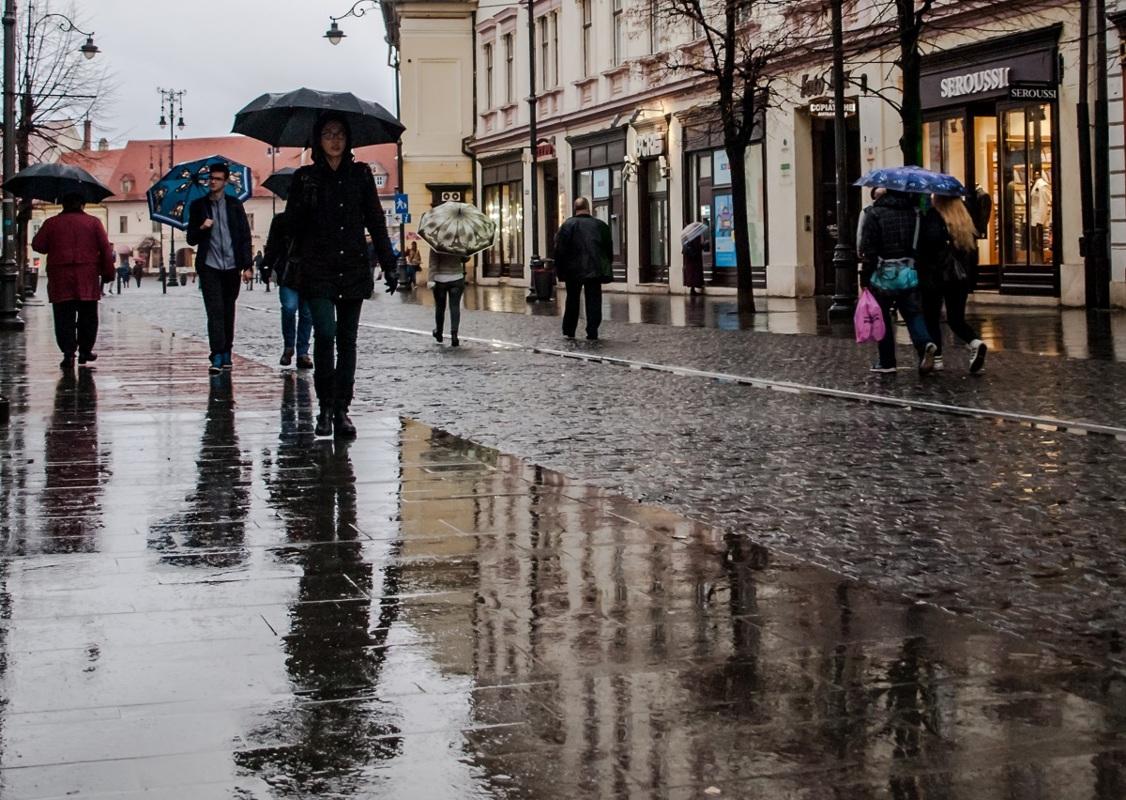 Vânt și ploi în Sibiu, până marți