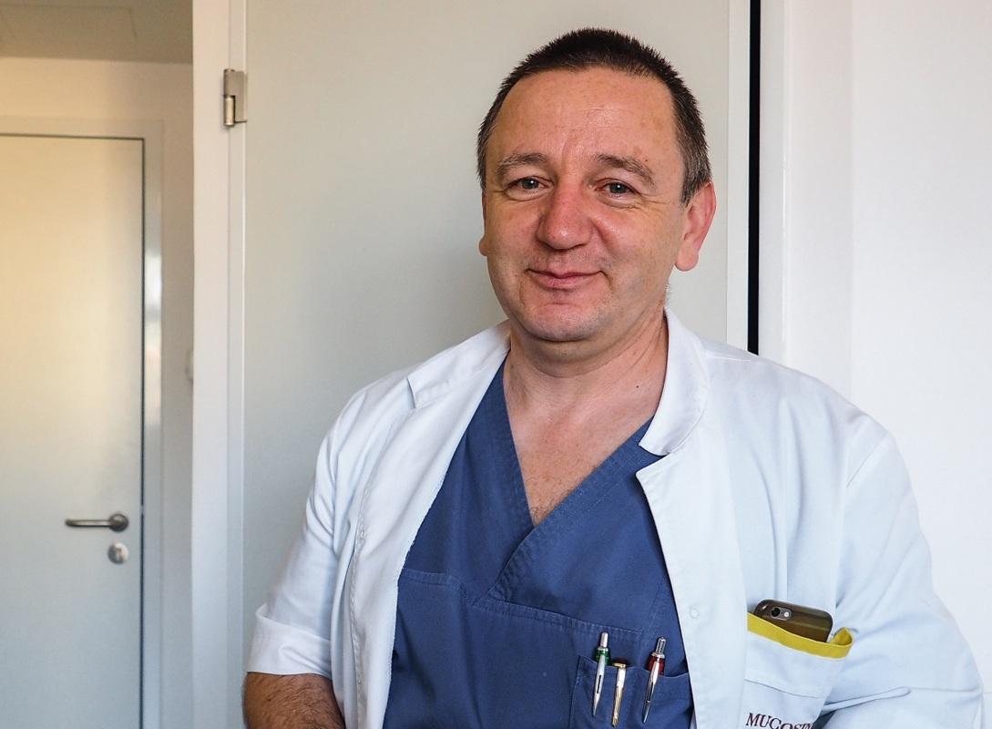 """Dr. Radu Chicea: La """"Școala Părinților"""" oamenii au acces la informație medicală coerentă; pe forumuri sunt păreri personale, fără fundament științific"""