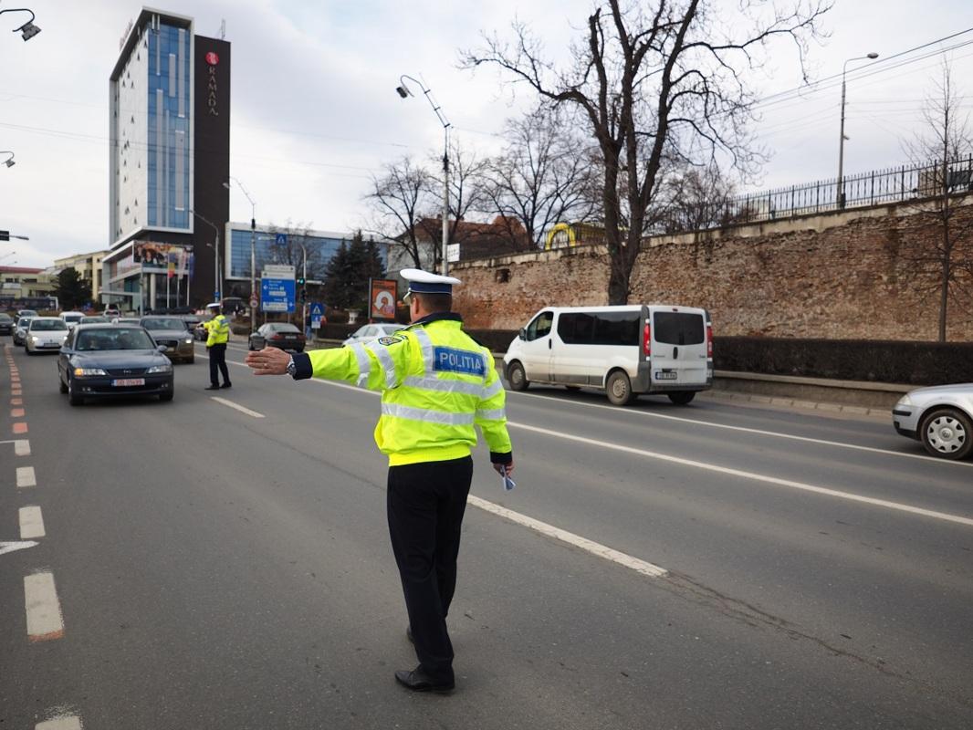 O femeie de 62 de ani s-a ales cu dosar penal pentru blocarea circulației