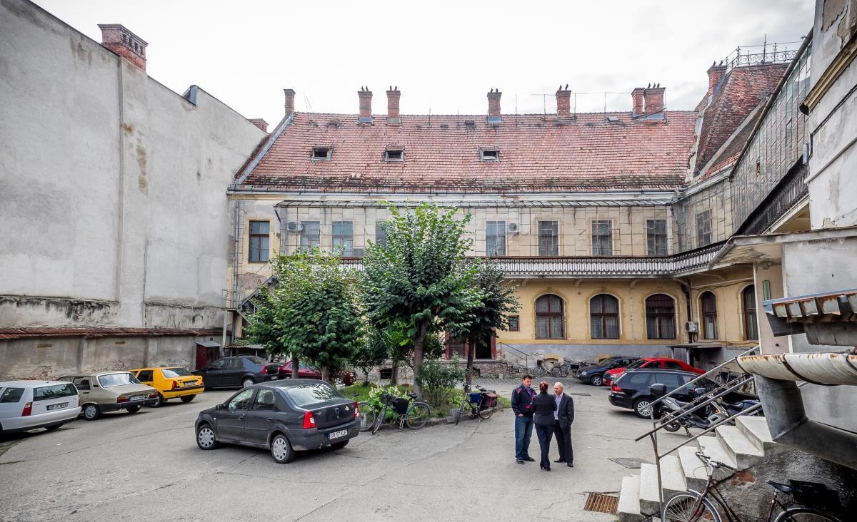 Falimentarea Poştei Române începe de la sate