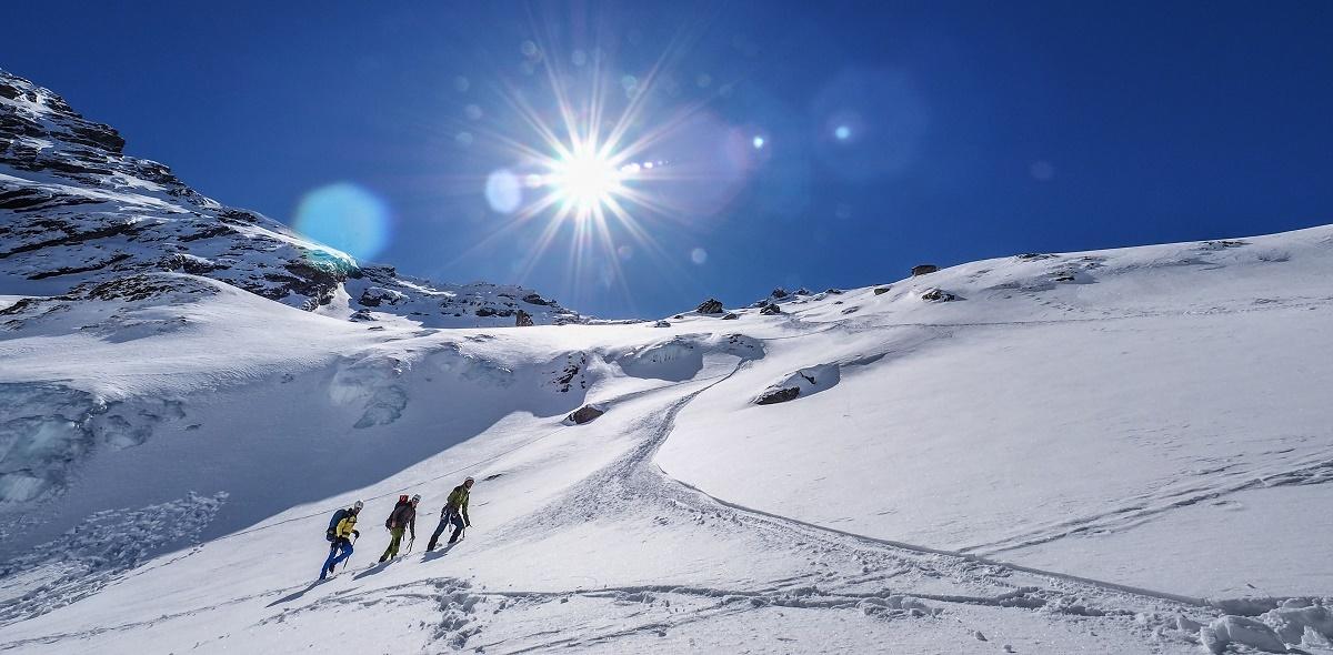 Risc mare de producere a avalanşelor în Munţii Făgăraş