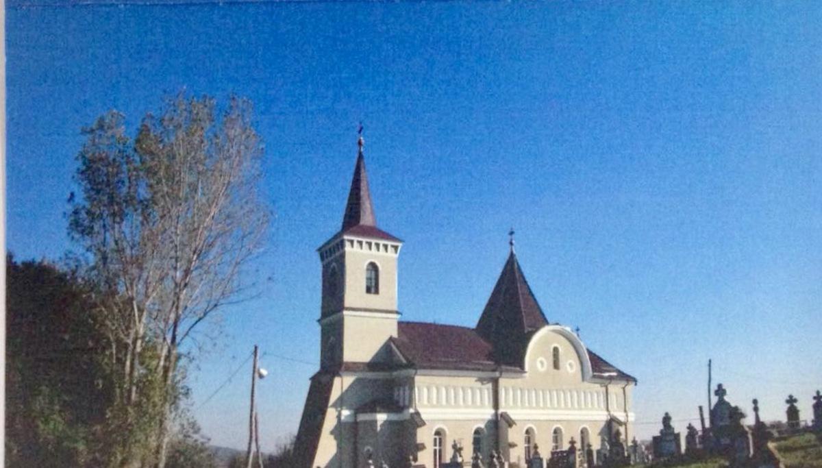 Sărbătoare la Biserica din Armeni: ÎPS Laurenţiu Streza va sfinţi noile icoane