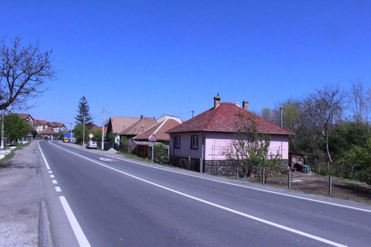 Canalizare, trotuar şi rigolă pe strada Unirii, la Tălmaciu