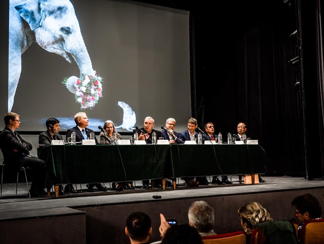72 de ambasade, implicate în Festivalul Internațional de Teatru de la Sibiu