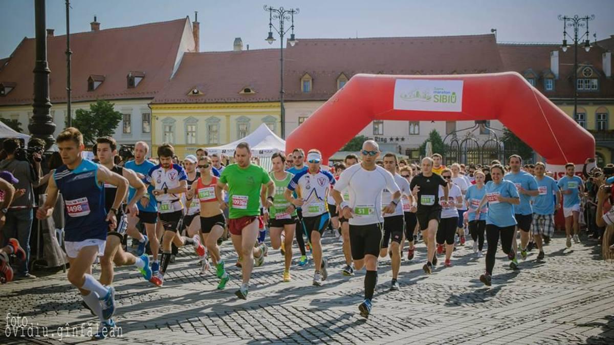 Fotbaliștii de la FC Hermannstadt aleargă la Maraton pentru EDU-TV