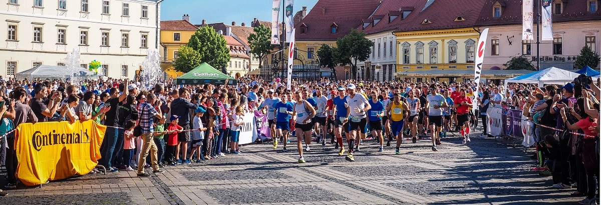 3.200 de adulți și copii aleargă pentru 21 de cauze sociale, la Maratonul Sibiului