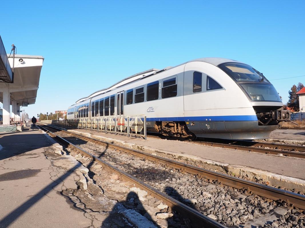 Circulaţia trenurilor, modificată până în 30 iunie. Lucrări între staţiile Miercurea Sibiului și Cunța (pe secţia Sibiu – Vințu de Jos)