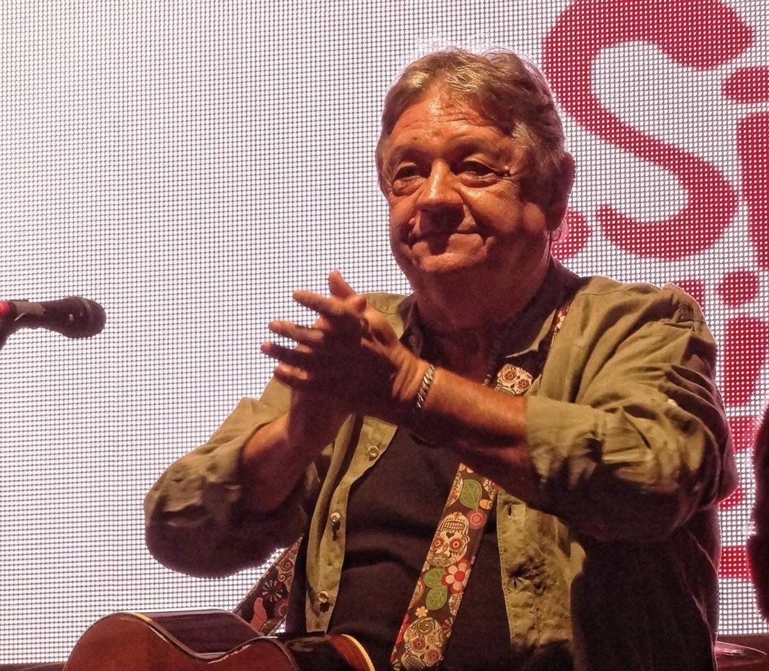 Mircea Vintilă a cântat cu peste 300 de sibieni, în Piaţa Mică: