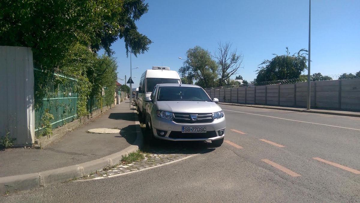 Cum rămâne cu parcarea pe colț?