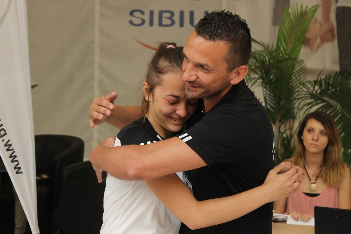 "Motto: ""Be Your Own Hero"". Sibianca Andreea Pavel a doborât recordul. La un pas de Guiness World Records!"