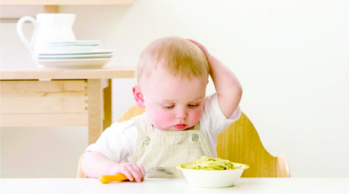 Cele mai ciudate diete, cu mâncare pentru bebeluşi şi bucăţi de vată