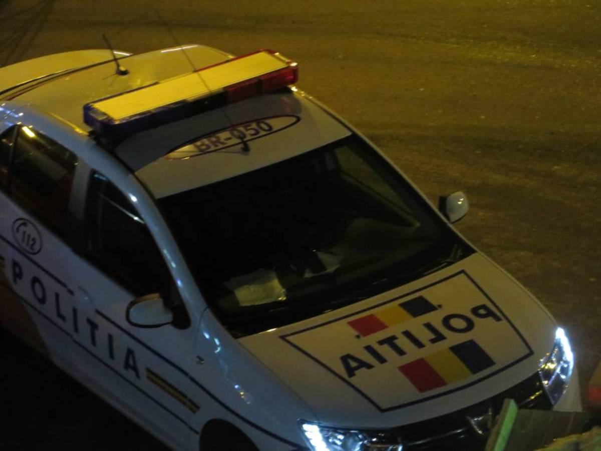 Minor prins la volanul unei autoutilitare și doi șoferi băuți, prinși de polițiști