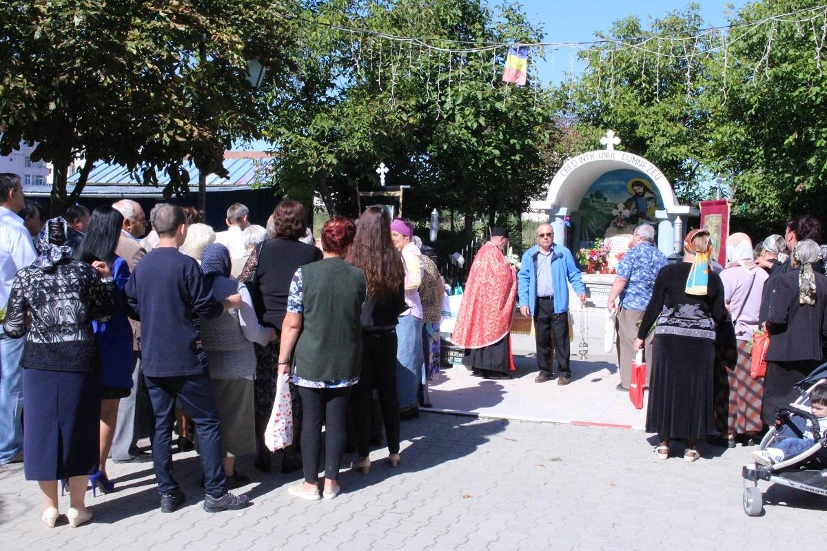 FOTO: Procesiune de praznicul Înălţării Sfintei Cruci, la Mîrşa