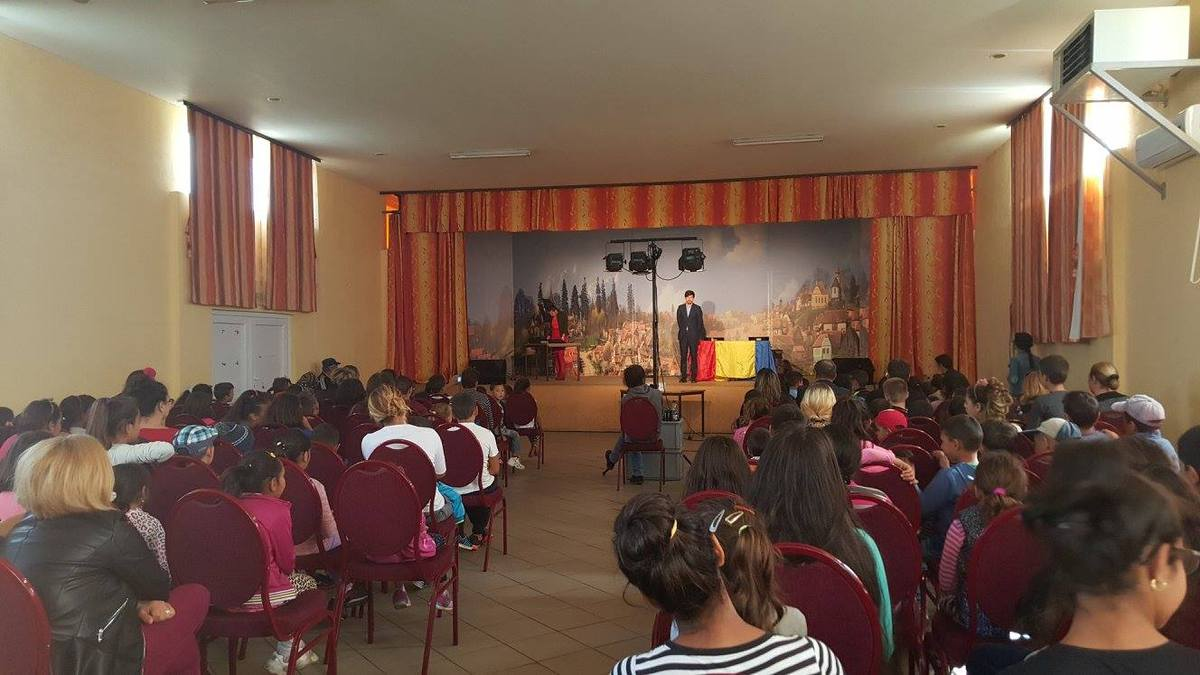 Copiii din comuna Marpod merg la teatru, sâmbătă
