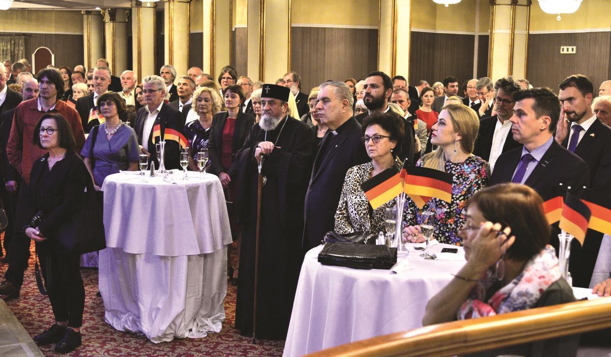 Reunificarea Germaniei sărbătorită, cu decenţă şi eleganţă, la Sibiu