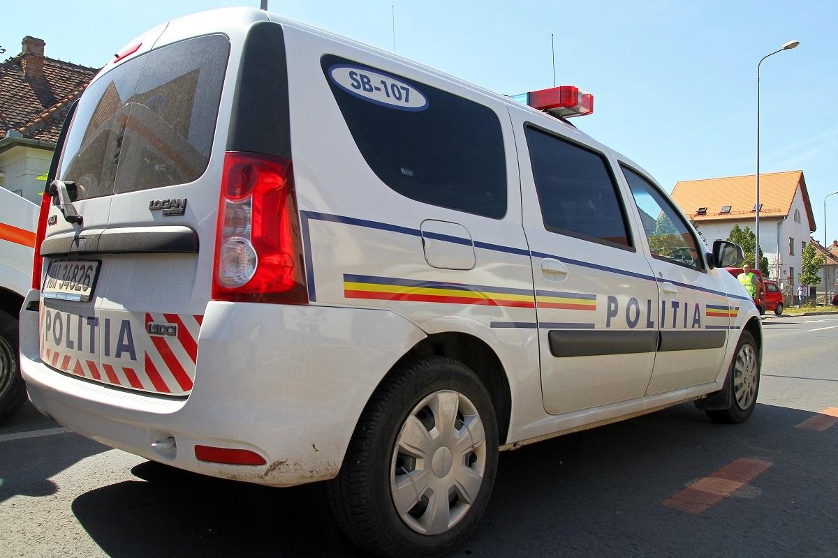 O femeie însărcinată, rănită în accident produs de un tânăr din Vâlcea, la intrarea în Şura Mare, pe DN 14