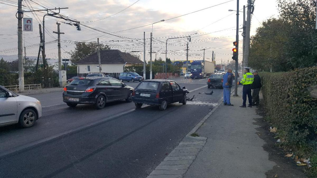 FOTO: Accident pe Șoseaua Sibiului din Mediaș