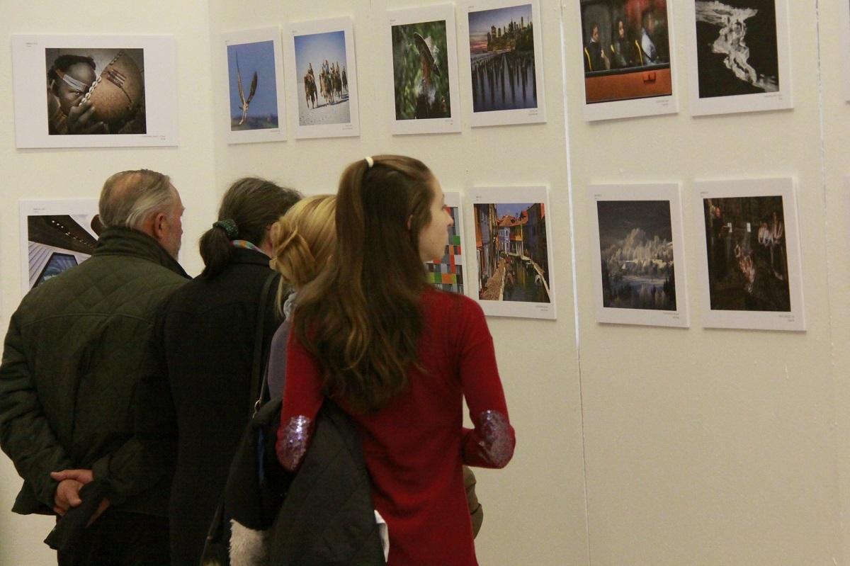 Cei mai buni fotografi, premiați duminică la Salonul Internațional de Artă Fotografică de la Sibiu
