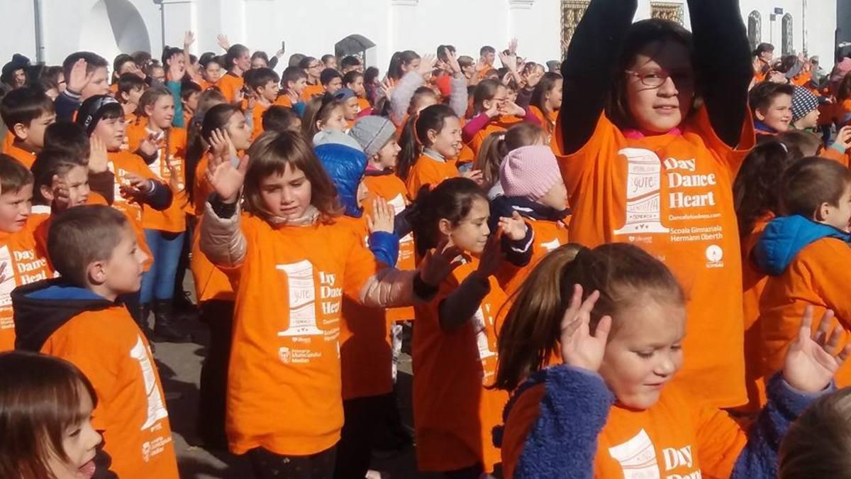 Mediașul a fost pe harta Dance for Kindness, alături de București și Brașov