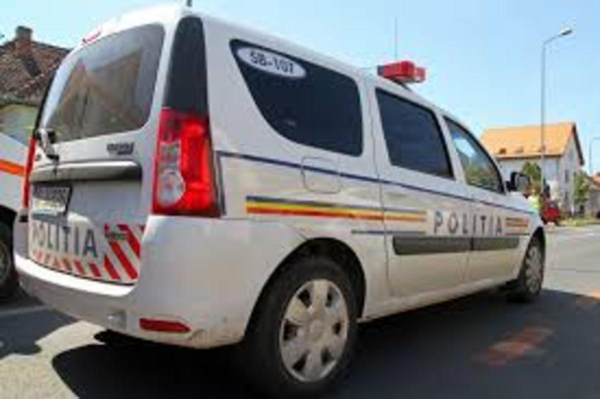 O fetiță de 8 ani, accidentată în zona Școlii de pe strada Șureanu