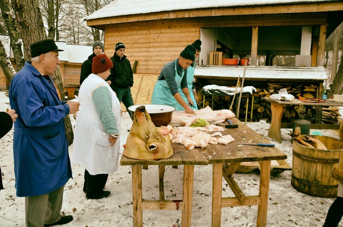 Degustare de caltaboș, jumări și tobă, în weekend, în Muzeul Satului