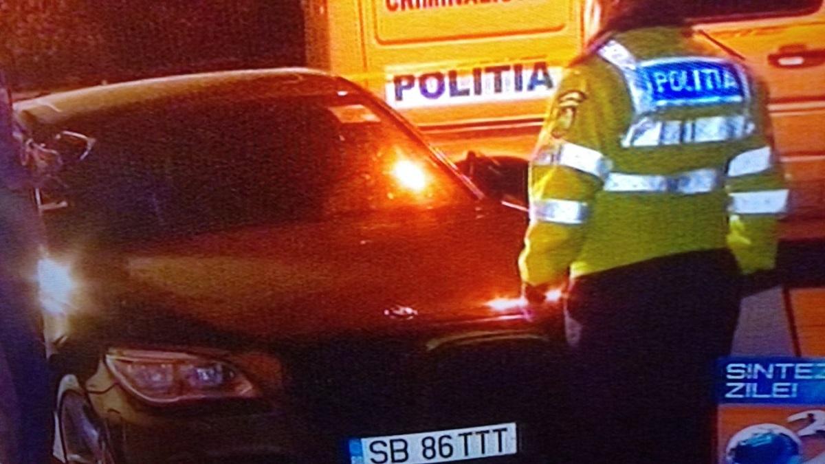 FOTO: Mașina deputatului PSD, Ioan Terea, lovită de protestatari în fața Parlamentului
