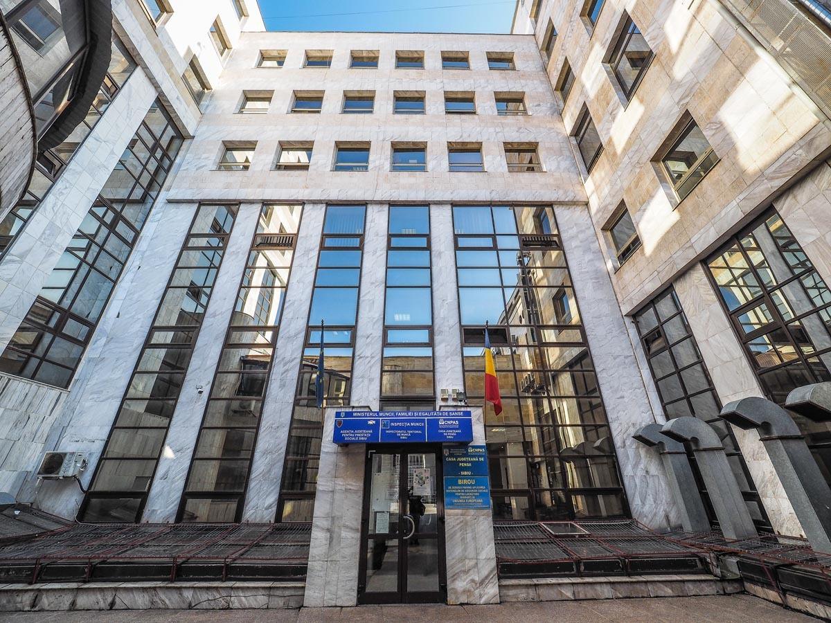 Negocierea colectivă, explicată angajatorilor de Inspectoratul Teritorial de Muncă Sibiu