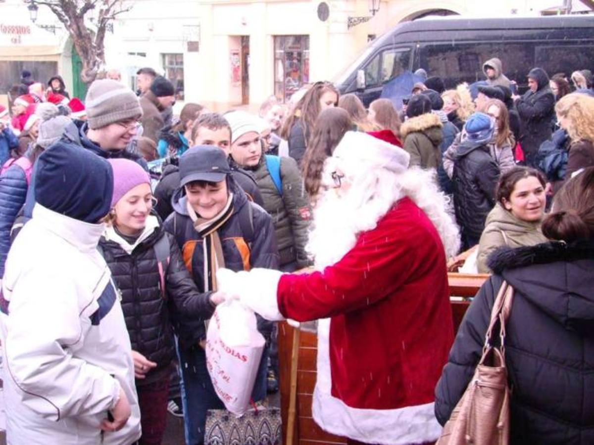 Program modificat la Trâgul de Crăciun din Mediaș din cauza zilelor de doliu național