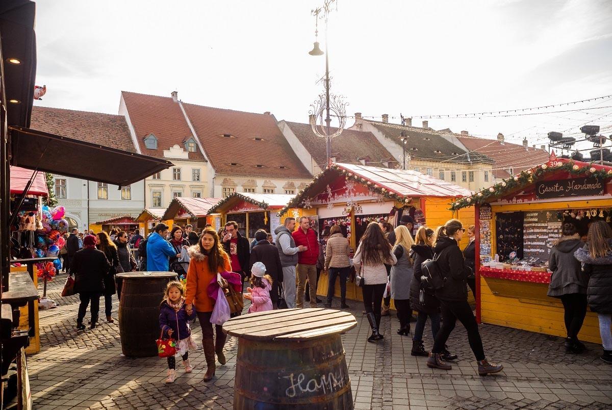 Primăria Sibiu atenţionează Târgul de Crăciun prin avizul de ocupare:
