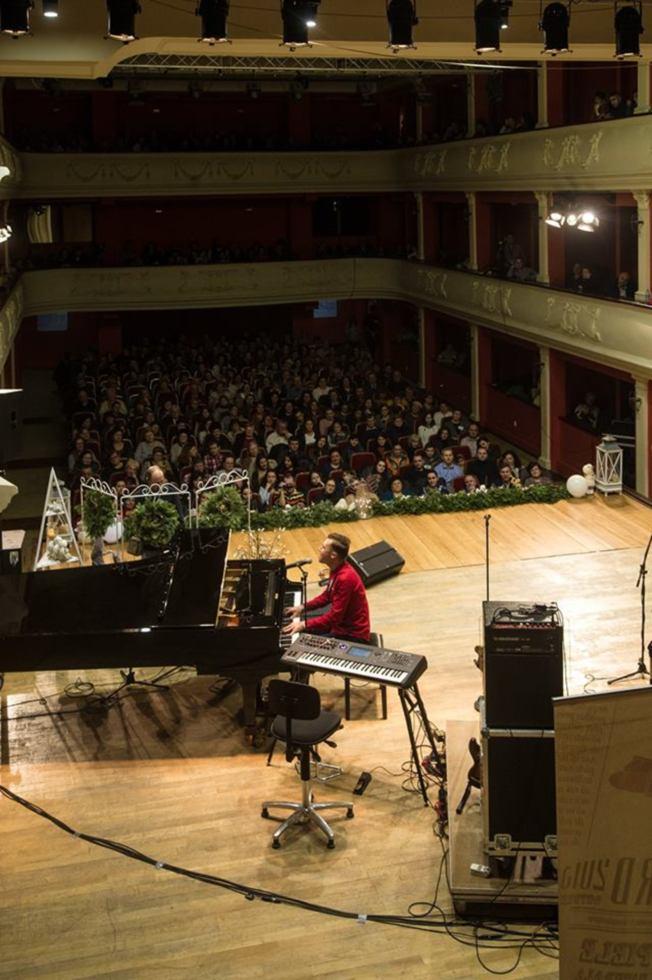 Sala Thalia, umplută de oameni cu suflet mare, la Gala Umanitară