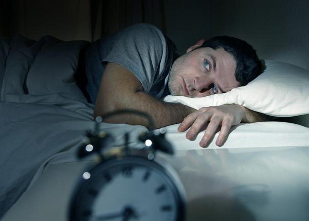 Medicina naturistă: Ce putem face pentru un somn mai bun