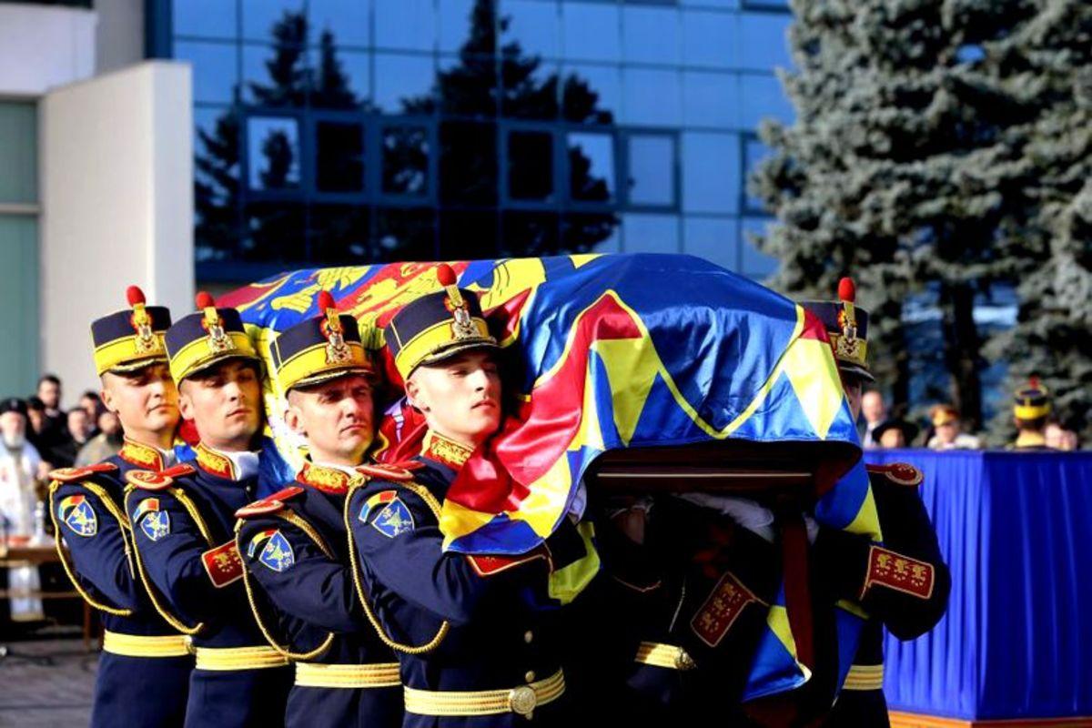 VIDEO - România își conduce Regele pe ultimul drum