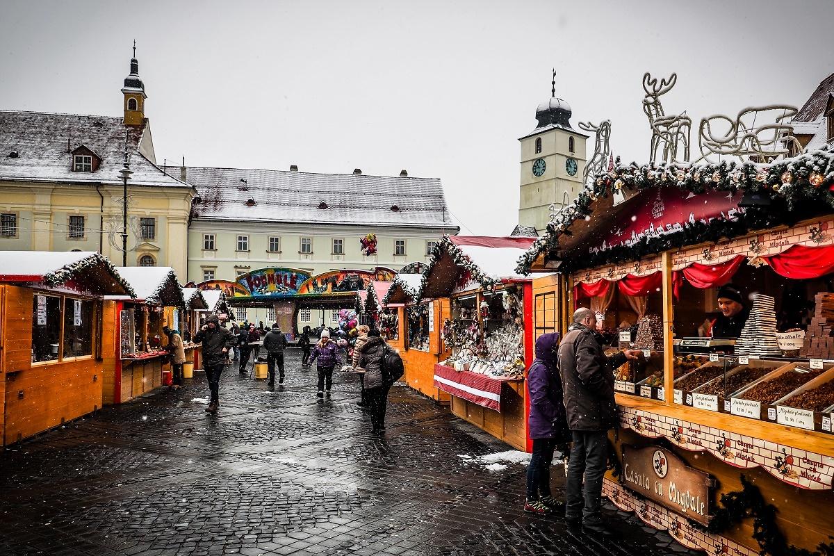 Târgul de Crăciun, controlat de Protecția Consumatorului. Unii comercianți și-au părăsit tarabele!