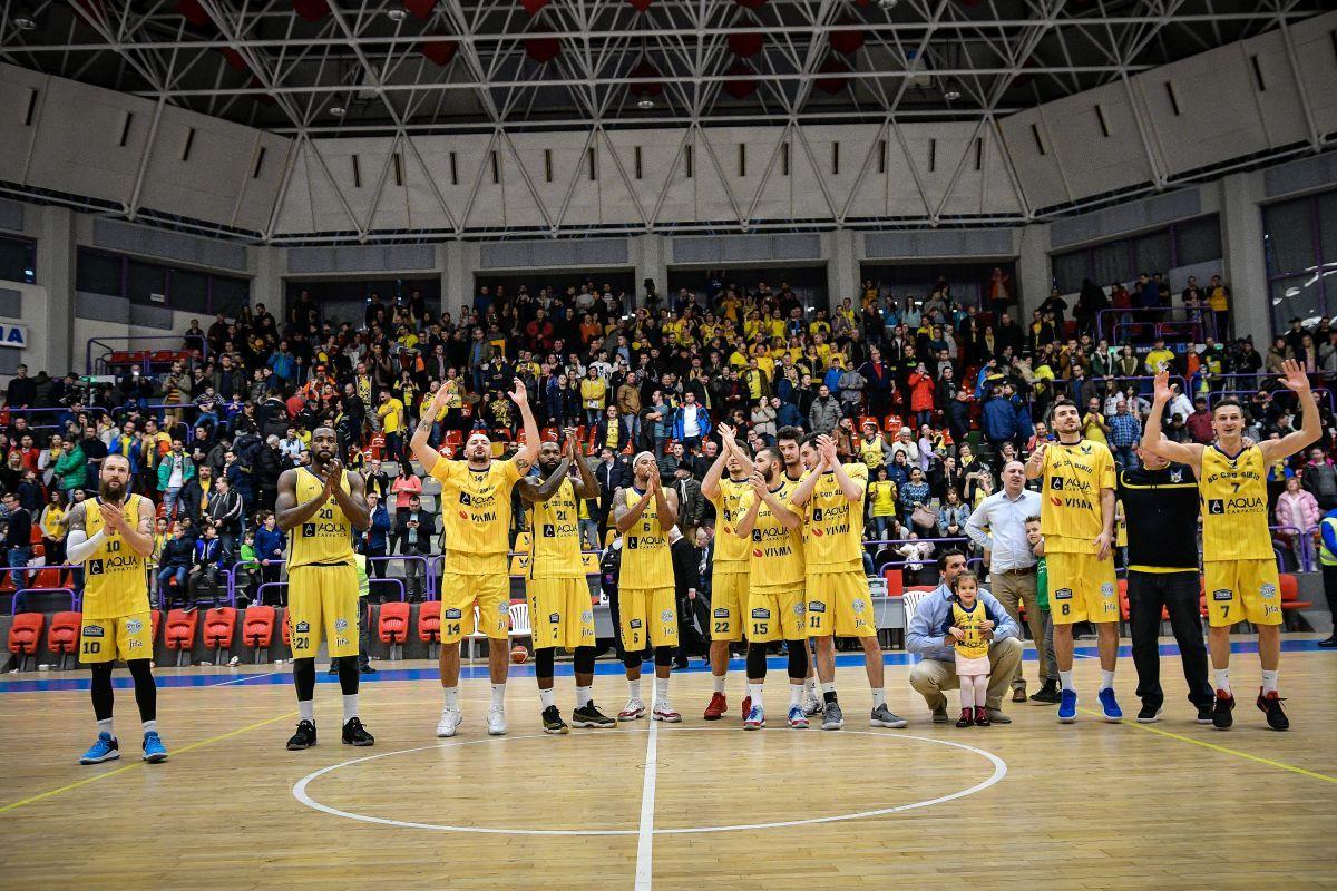 (FOTO) BC CSU Sibiu - CSM CSU Oradea 83-76. INVINCIBILII